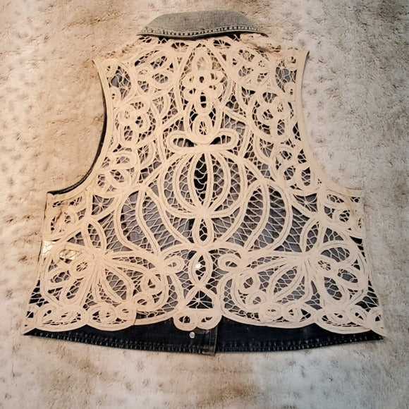 Platinum Chico's Jean Best w Cream Crochet Size M