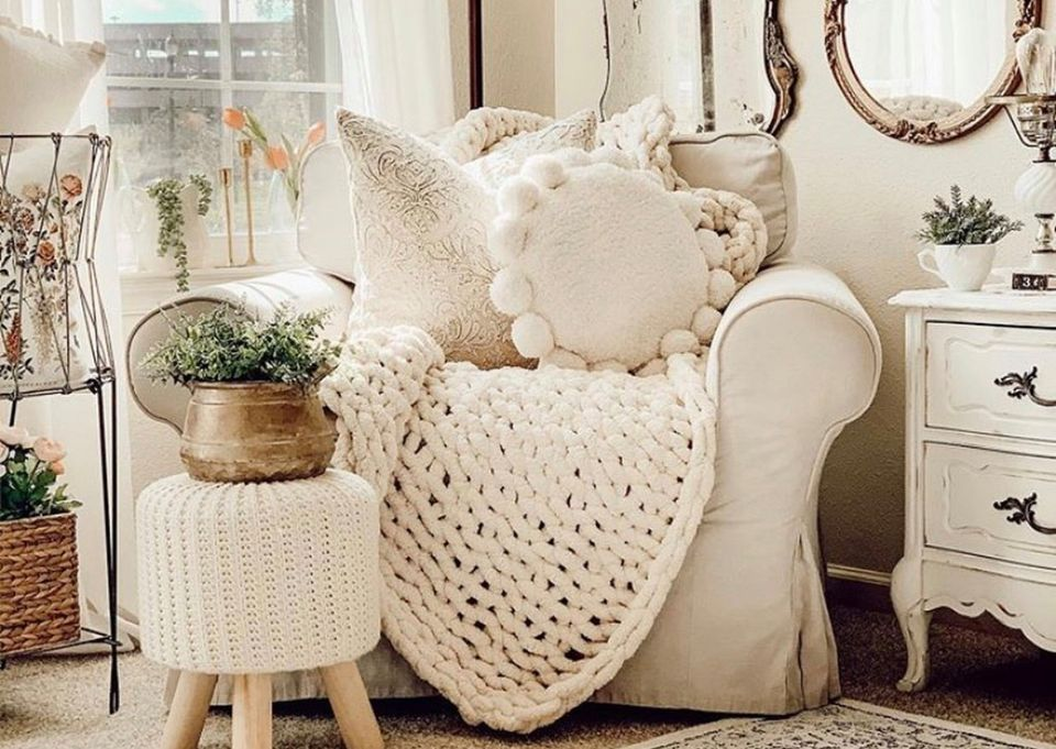 Hand Knit Chunky Blanket Class- Jan. 30th 10AM