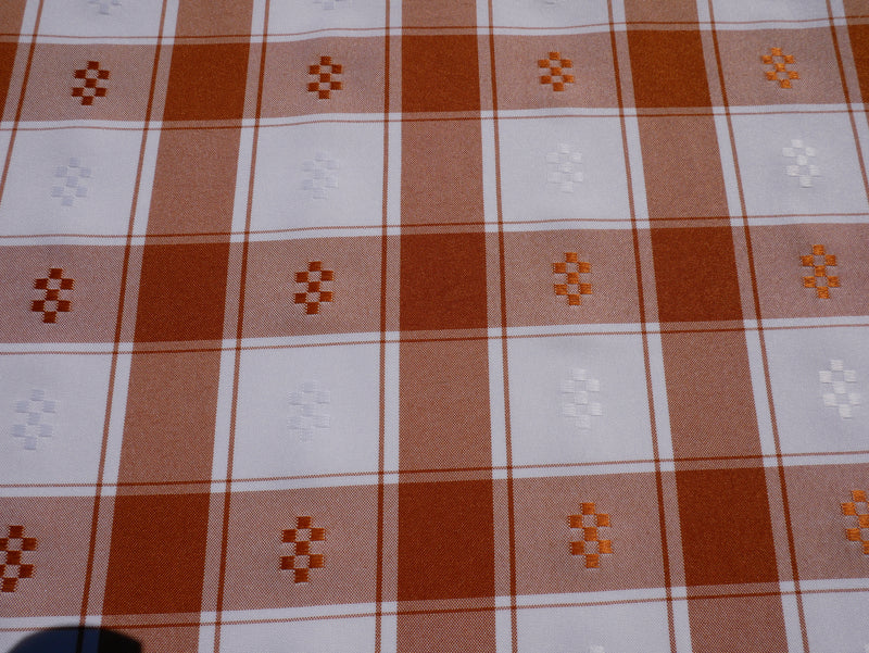 Minimatt Perforated Checked Tablecloth