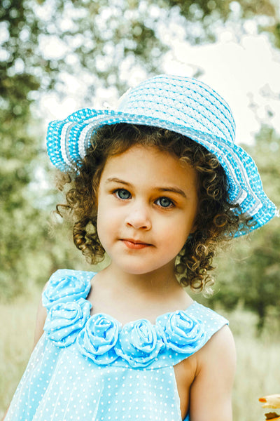 girl with short curly hair