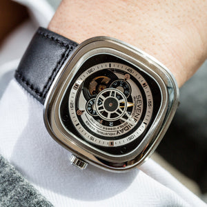 SEVENFRIDAY P1B/01 ESSENCE - The Independent Collective Watches