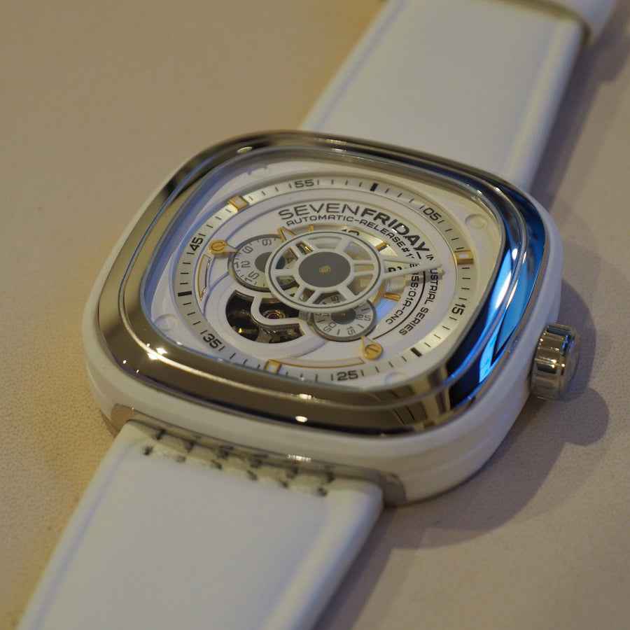 SEVENFRIDAY P1/02 : WORTH THE WHITE