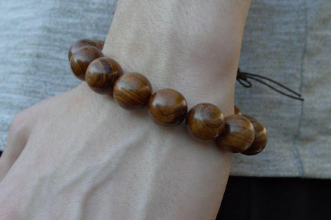 Why wear a sandalwood bracelet?