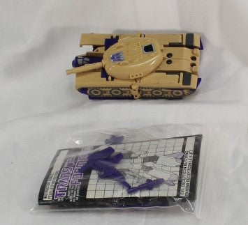 TRANSFORMERS - BLITZWING - TRIPLE CHANGER - HASBRO - CANADIAN BOX - USED - COMPLETE