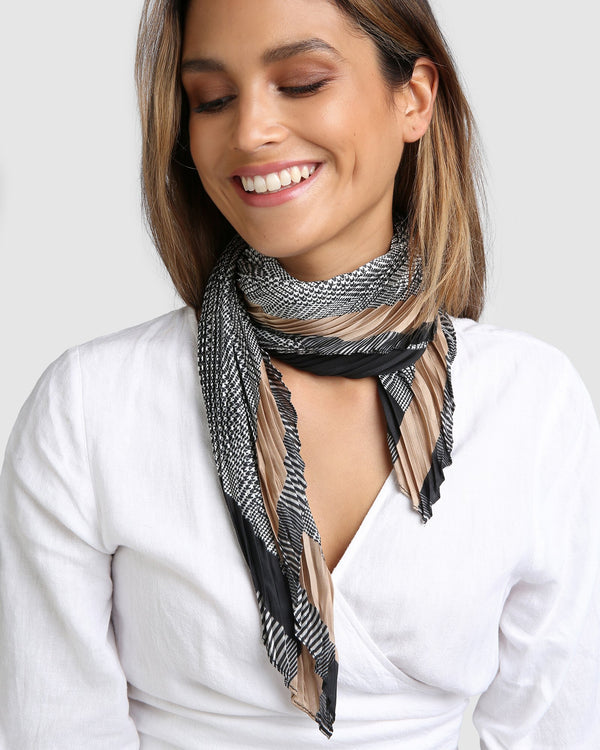 Houndstooth Pleated Scarf