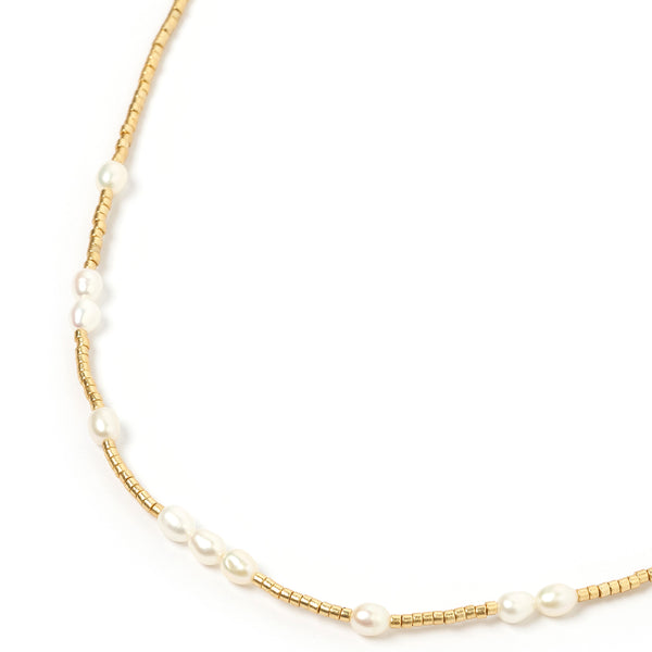 Peppa Gold and Pearl Choker