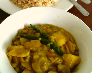 Taro Curry with Green Peas