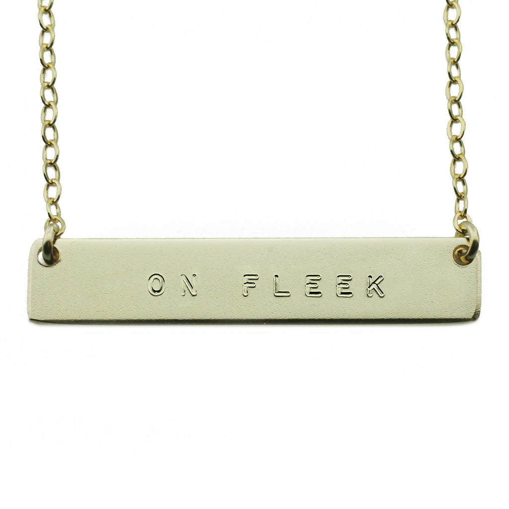 ON FLEEK NAMEPLATE NECKLACE