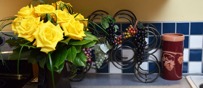 Black Grab & Go with Yellow Roses