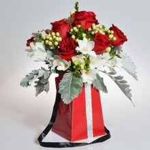 Load image into Gallery viewer, FlowerBox Grab & Go Red Vase