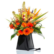 "Load image into Gallery viewer, Black Grab & Go 8"" FlowerBox Vase (Carton of 120)"