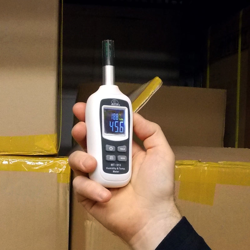 MT-913 Mini Hygrometer in Hand