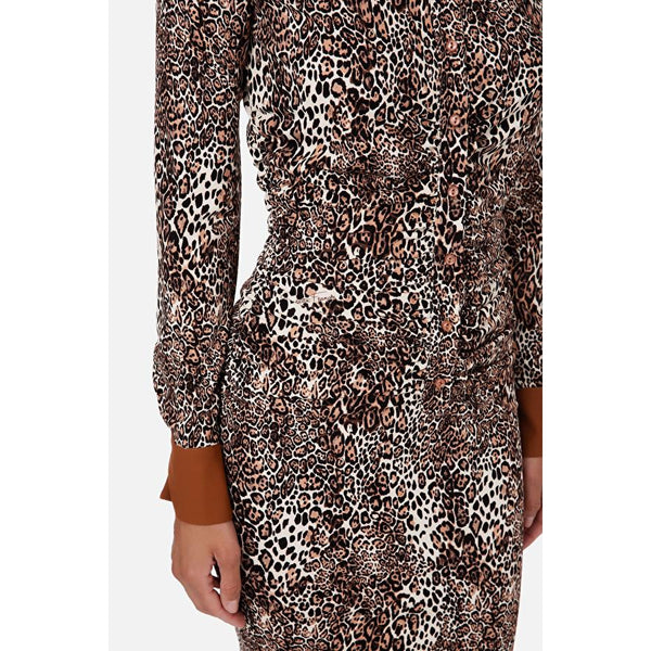 Contrasting animalier calf-lenghts dress