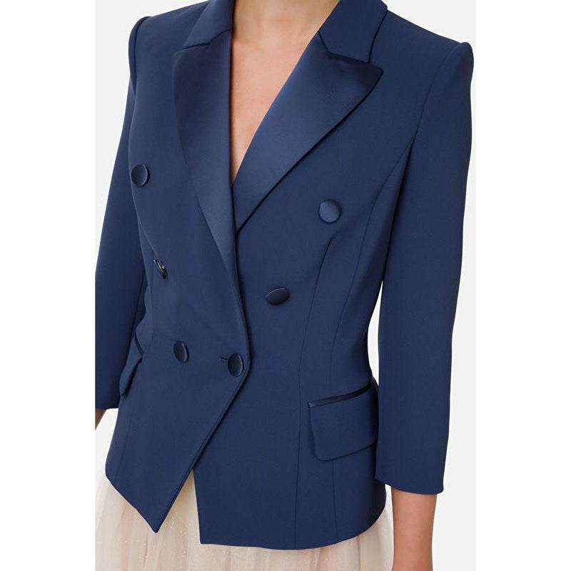 Tuxedo jacket with 3/4 sleeves