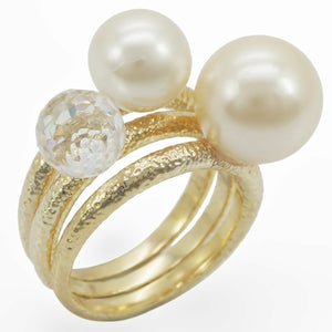 Synthetic Gold Plated Ring with Pearls - The Trendy Accessories Store