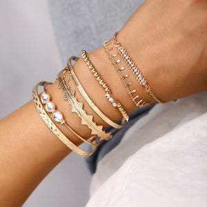 7 Piece Geometric Bangle Set With Swarovski® Crystals 18K Gold Plated - The Trendy Accessories Store