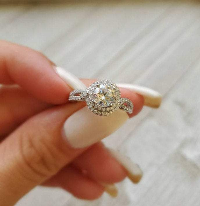Halo Bridal Engagement Wedding Ring Set - The Trendy Accessories Store