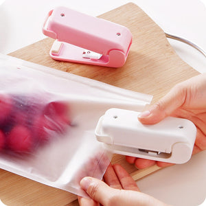 Mini Colorful Portable Handheld Household Electronic Mini Heat Sealing Machine Plastic Food Snacks Bag Packing Sealer Tools