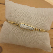 Load image into Gallery viewer, Brass Chain Bracelet | Pearl