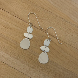 Shiny Silver Stacked Pebbles Earring