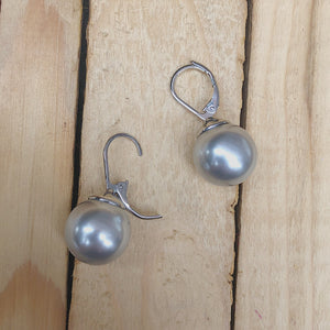 Pearl Drop Earring | Grey