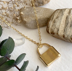 Padlock Necklace | Gold