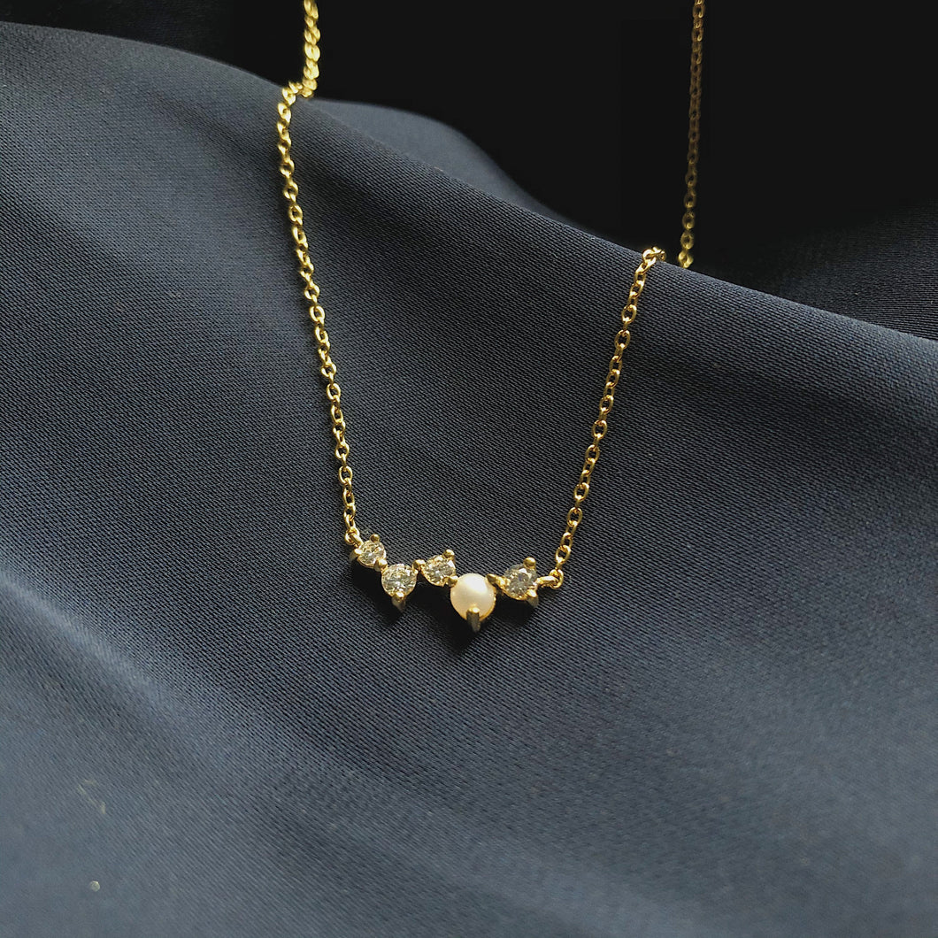 Cz and Pearl Cluster Necklace | Gold