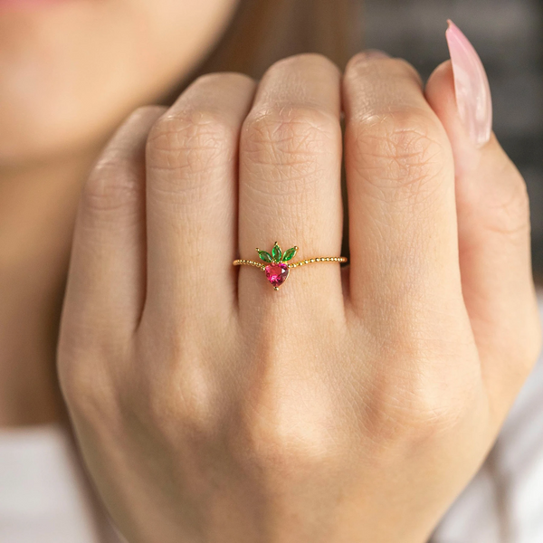 Strawberry Ring | Gold