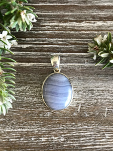 BLUE LACE AGATE - Soothing, Alleviates Anger & Tension