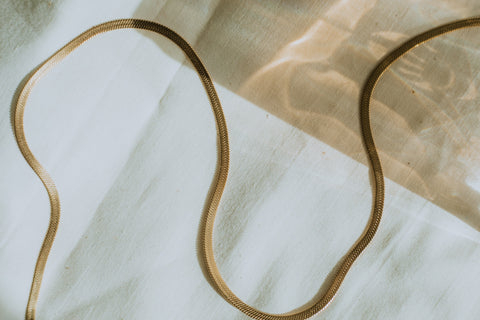 Hypoallergenic 18k gold-plated metal chain