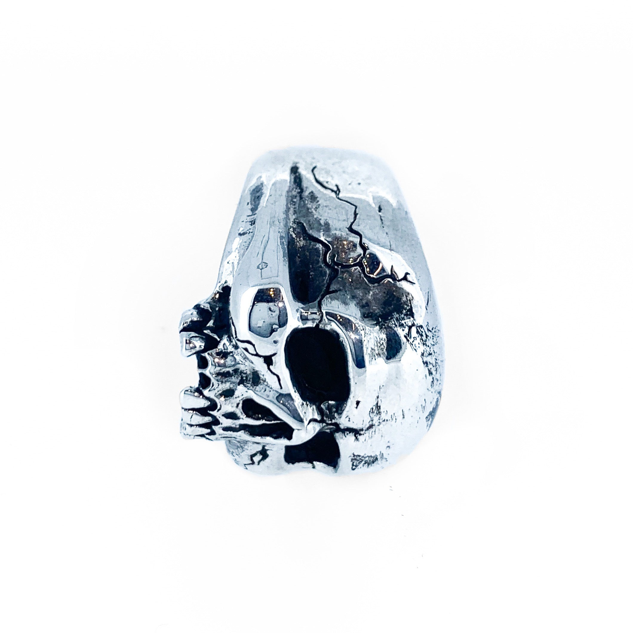 BUGHUUL: Sterling Silver Hand Carved Skull Ring