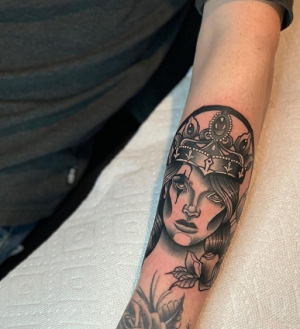 Crown Tattoo Design With a Black Queen