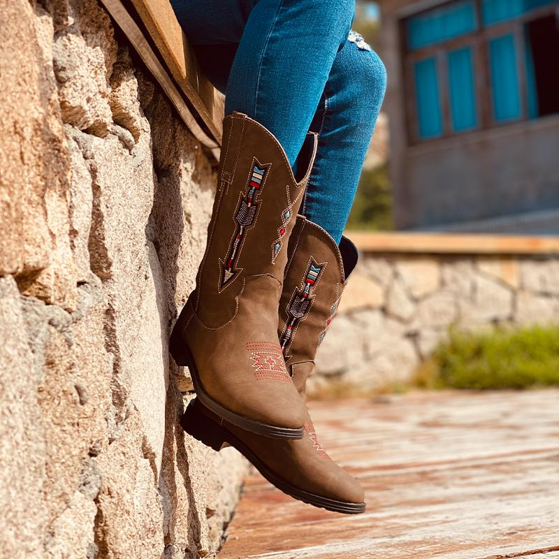 Women's Retro Embroidered Cowgirl Boots Mid-Calf Western Boots