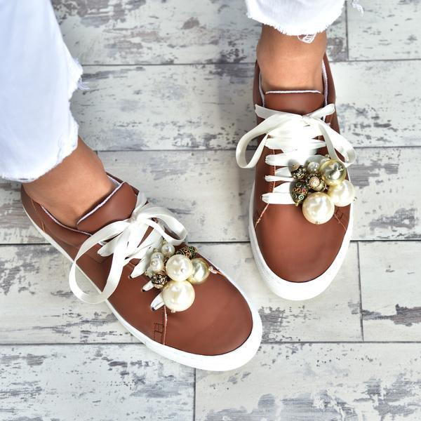Women's All Season Flat Heel Sneakers With Pearls & Shells