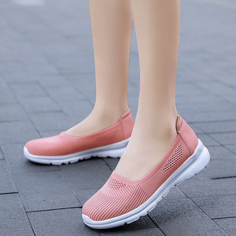 2020 Women's Soft Breathable Slip-on Sneakers Light Ladies Sport Walking Flats Shoes