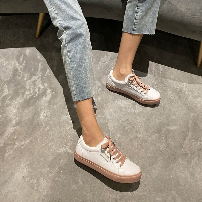 Woman Flat Leather Sneakers Solid Color Casual Low-top Flats Women Shoes