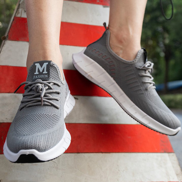 Breathe and Non-Slip Flying knit sneakers