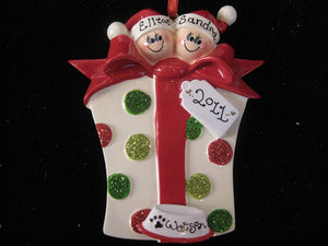 Gift box Couple with a Dog Personalized Christmas Ornament