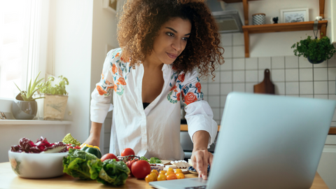 MAKE MEAL prep easy for busy moms - save your recipes so you can use them on repeat.