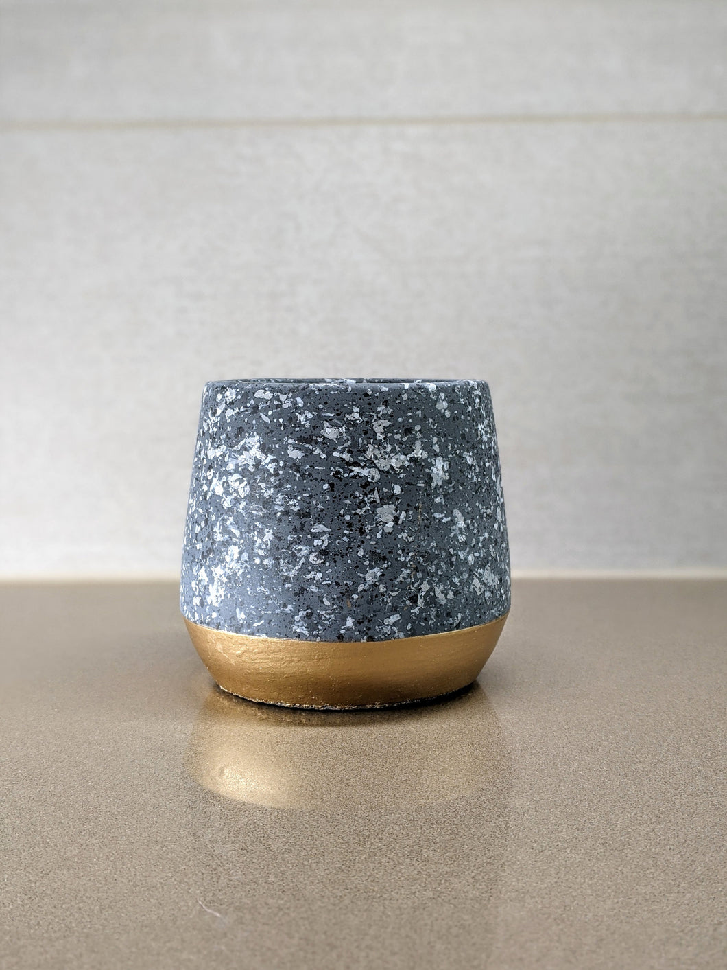 Golden Spliced Cement Pot with Gray Marbling - 4