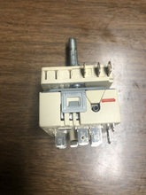 Load image into Gallery viewer, GE RANGE OVEN DUAL BURNER SWITCH PART# 164D5882P005 | AS Box 145