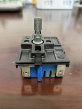 Load image into Gallery viewer, 191D4774P005 One Used GE Infinite Burner Switch  B162