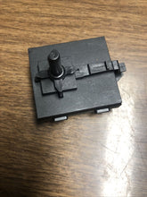 Load image into Gallery viewer, Whirlpool Washer Temperature Switch 8564136 | AS Box 154