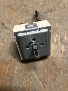 GE Range Oven Dual Burner Switch 229C4709P004 | AS Box 113