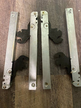 Load image into Gallery viewer, Viking Built-In Oven Door Hinges Set (2 HINGES) PC020220 006070-000 023797-000