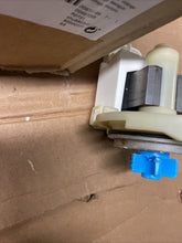 Load image into Gallery viewer, BOSCH DISHWASHER DRAIN PUMP PART # 167082 Z Shelf 2E