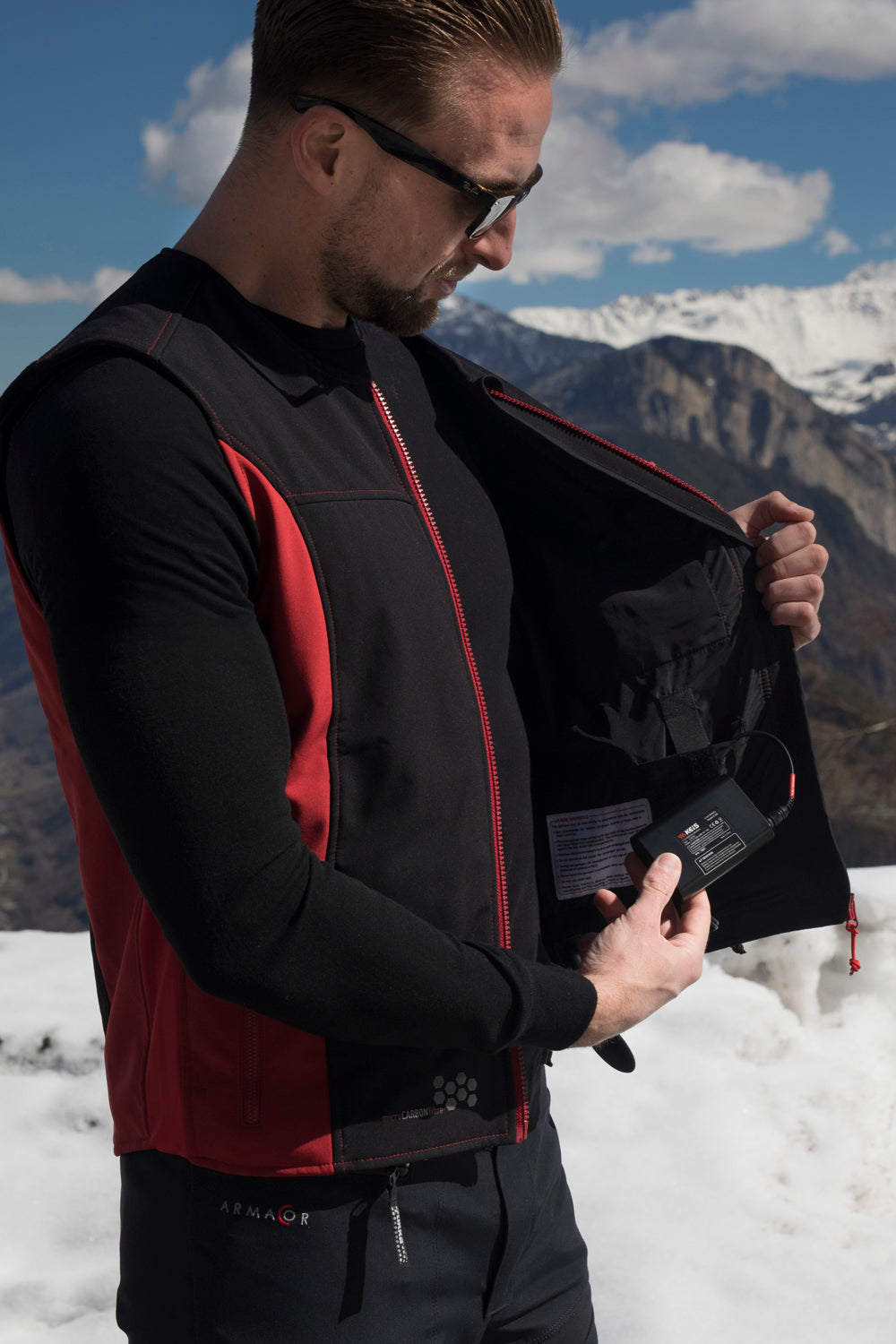 Power your V501 heated vest via a vehicle lead or a portable battery
