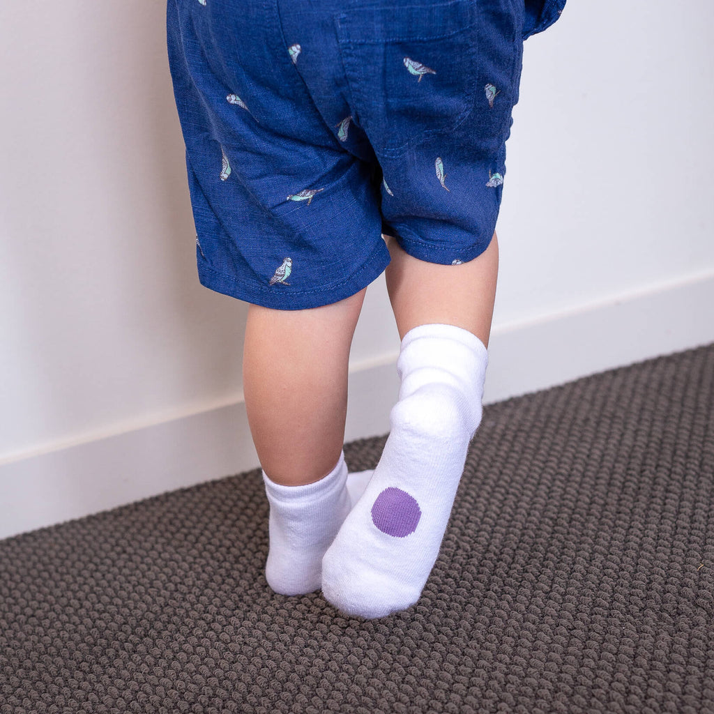 white socks with purple dots for ages 2-4