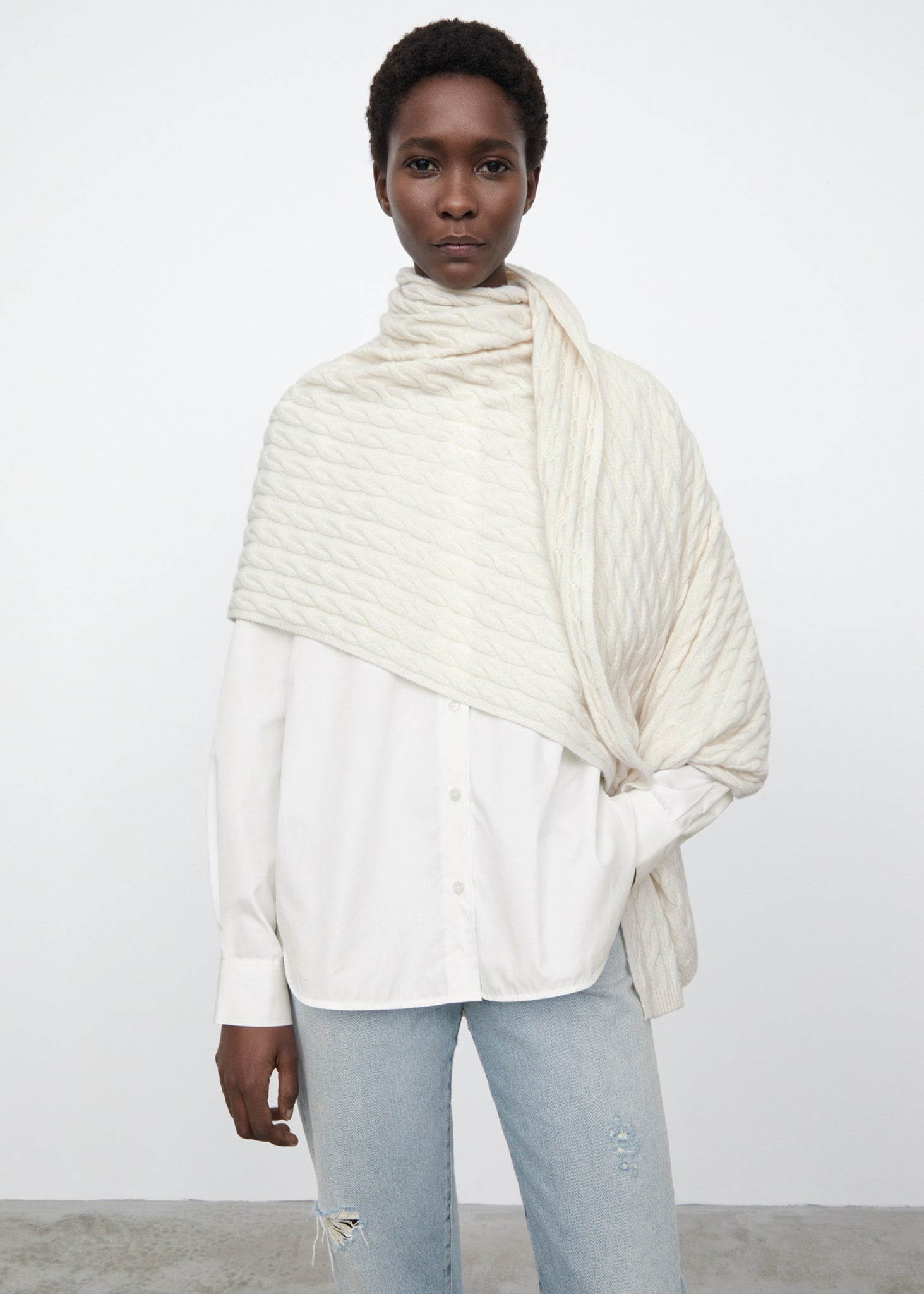 Cashmere cable knit scarf off-white