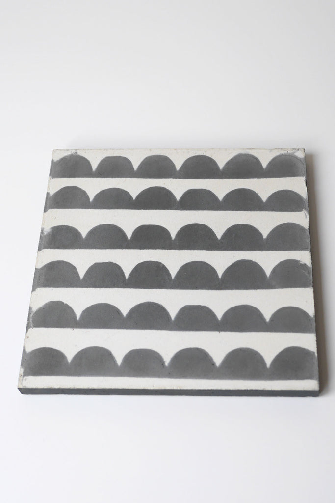 Grey Scallop Tile